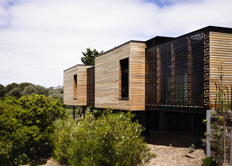 Blairgowrie House by Wolveridge Architects offers a timber-clad seaside home