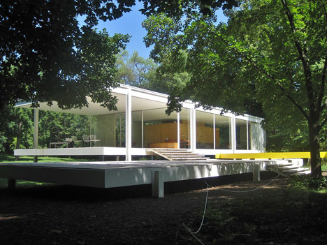 Hydraulic Jacks Lift Mies Van Der Rohes Farnsworth House Over Floods
