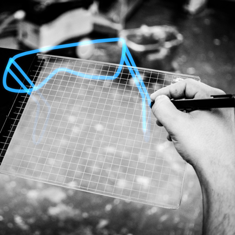 "Gravity tablet makes 3D drawing ""as easy<br /> as doodling on a piece of paper"""