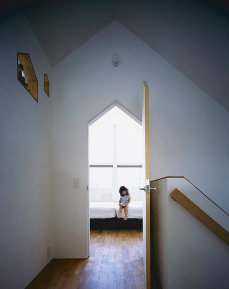 House in Fukai Japan by Horibe Associates