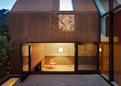 Kew House by Piercy & Company