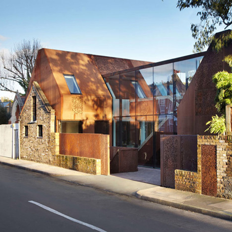 Kew-House-by-Piercy-and-Company-_dezeen_ss_1