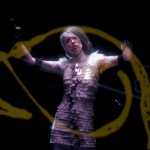 Imogen Heap's music video for Me The Machine created with her gesture-control gloves