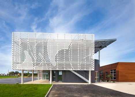 PAD creates facade for boat company headquarters using HI-MACS