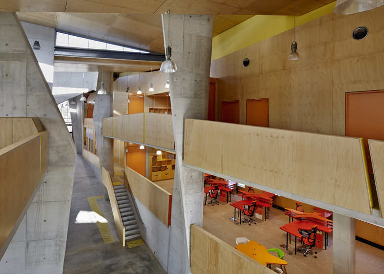 http://static.dezeen.com/uploads/2014/04/School-of-Architecture-Bond-University-by-CRAB-studio_dezeen_ss3.jpg