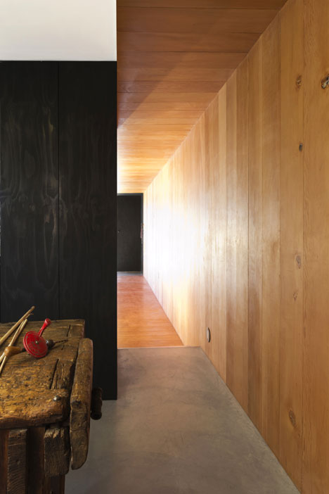 Studio in Vancouver by Scott & Scott Architects