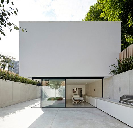 The Garden House by De Matos Ryan