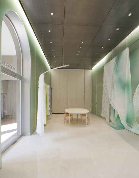 Kinnasand Milan showroom by Toyo Ito