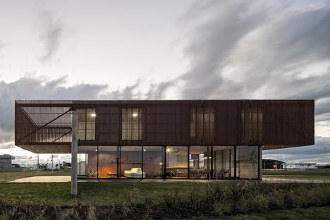 XAN House by MAPA