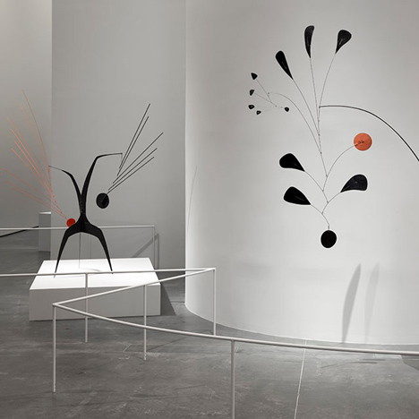 Frank Gehry sets the scene for LACMA's Alexander Calder exhibition