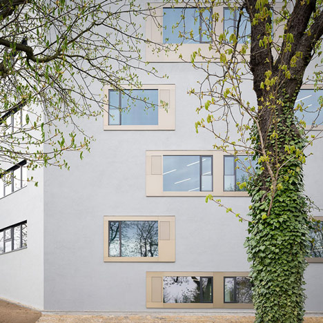 KSG adds textured walls to<br /> university chemistry lab in Aachen