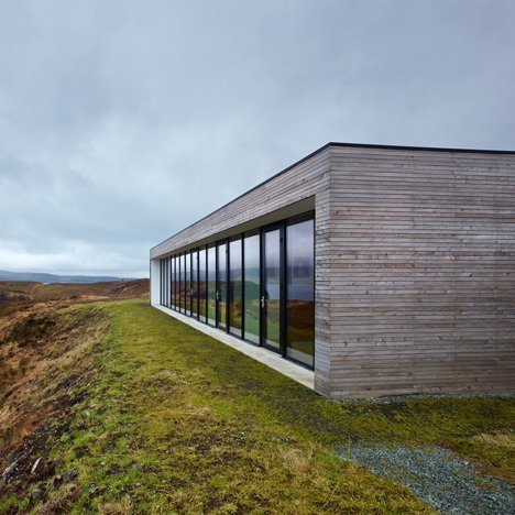Cliff House by Dualchas Architects offers<br /> panoramic views of a Scottish loch
