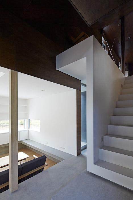 E House by Hannat Architects