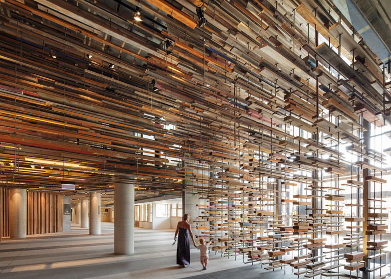 March Studio adds thousands of timber planks - harry - 哈梨见竹视雾所