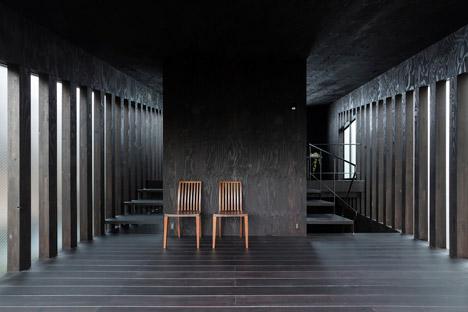 Grass Cave House by Makiko Tsukada Architects