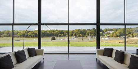 House-for-a-Yachtsman-by-the-Manser-Practice_dezeen_468_10