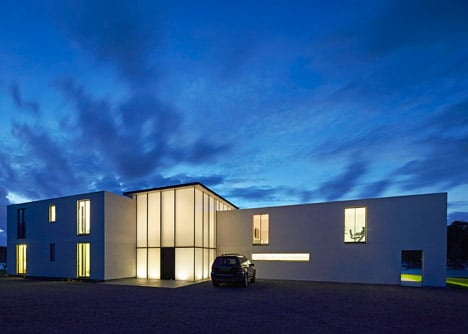 House-for-a-Yachtsman-by-the-Manser-Practice_dezeen_468_16