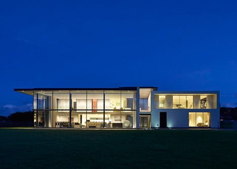 House-for-a-Yachtsman-by-the-Manser-Practice_dezeen_468_9