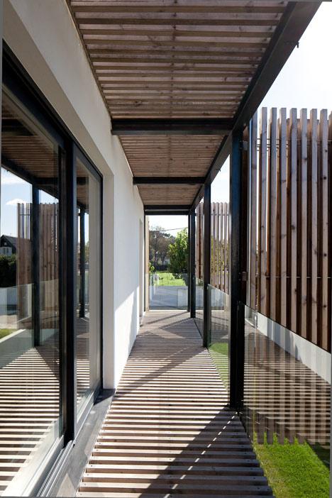 House in Porto by e348 arquitectura