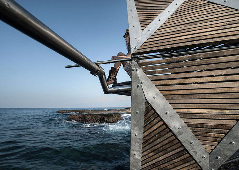 Iris kinematic structure in Beirut by Najjar Najjar