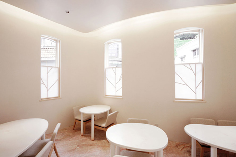 Japanese confectionary and tea shop by Hiroyuki Ogawa Architects