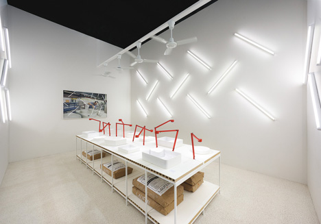 Konstantin Grcic's SaphirKeramik installation for Laufen