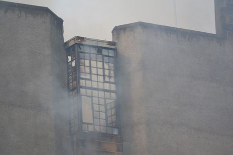 Mackintosh Glasgow School of Art on fire_dezeen_3