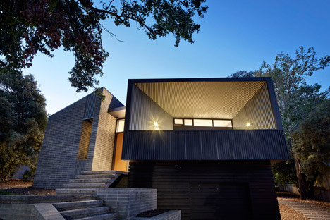Narrabundah House Canberra by Adam Dettrick