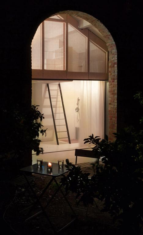 Summer-Pavillon-by-Noemie-Meney_dezeen_468_13