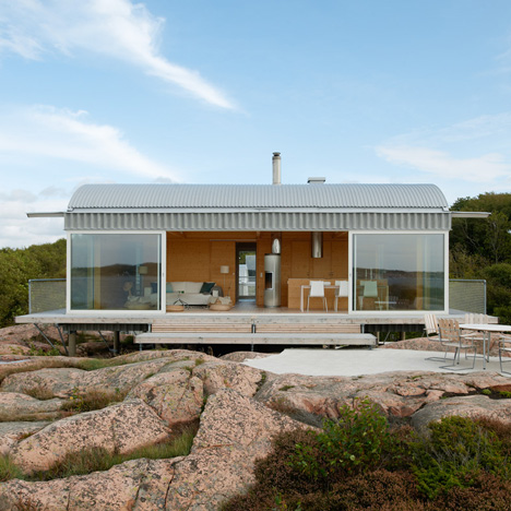 Summer house on stilts by Mats Fahlander nestle