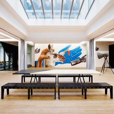 Superheroes office in Amsterdam by Simon Bush-King Architecture and Urbanism _dezeen_11sq