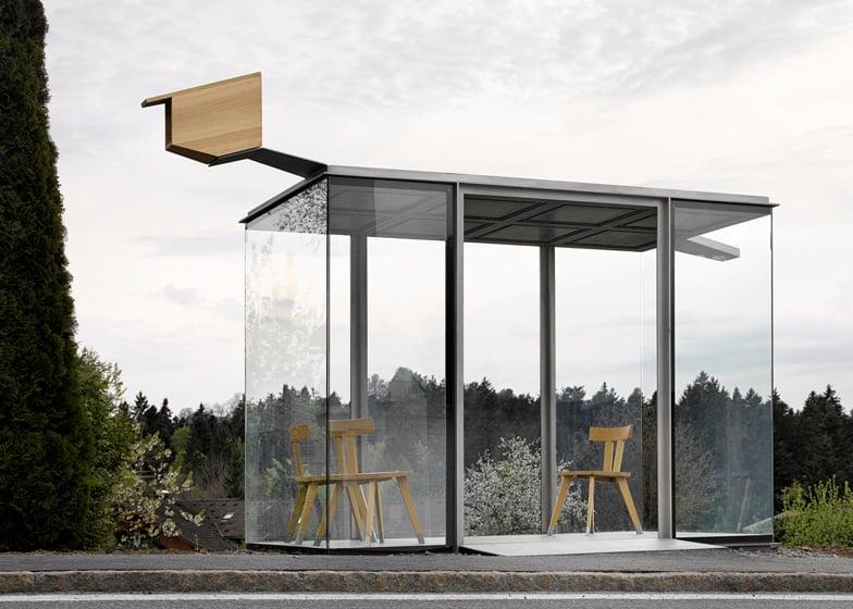 Bạn có nghĩ đây là những nhà chờ xe buýt không?