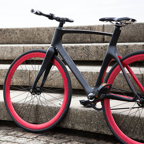 Valour carbon fibre bicycle by Vanhawks_dezeen_1sq
