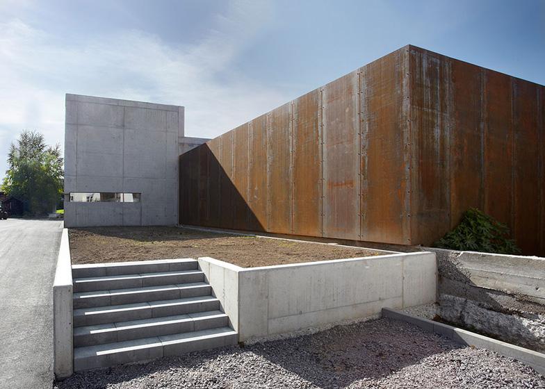 Wine Press Hall by Burkhard Architekten