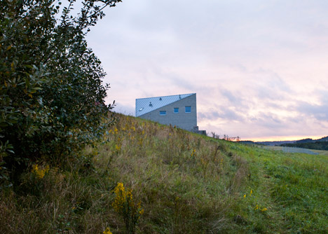 34 25 House by Bartek Arendt