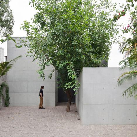 Atelier Aberto by AR Arquitetos is a<br /> São Paulo studio with a light-filled atrium
