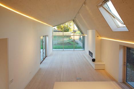 Bourne-Lane-house-by-Nash-Baker