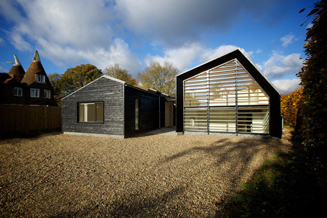 Bourne-Lane-house-by-Nash-Baker