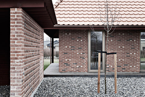 Brick-House-by-Leth-and-Gori