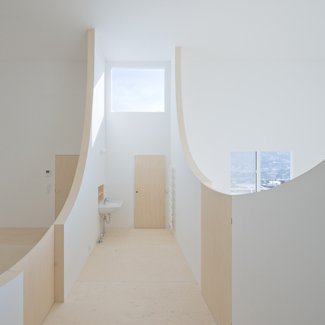Brother's House by Hiroshi Kuno features walls you can step over