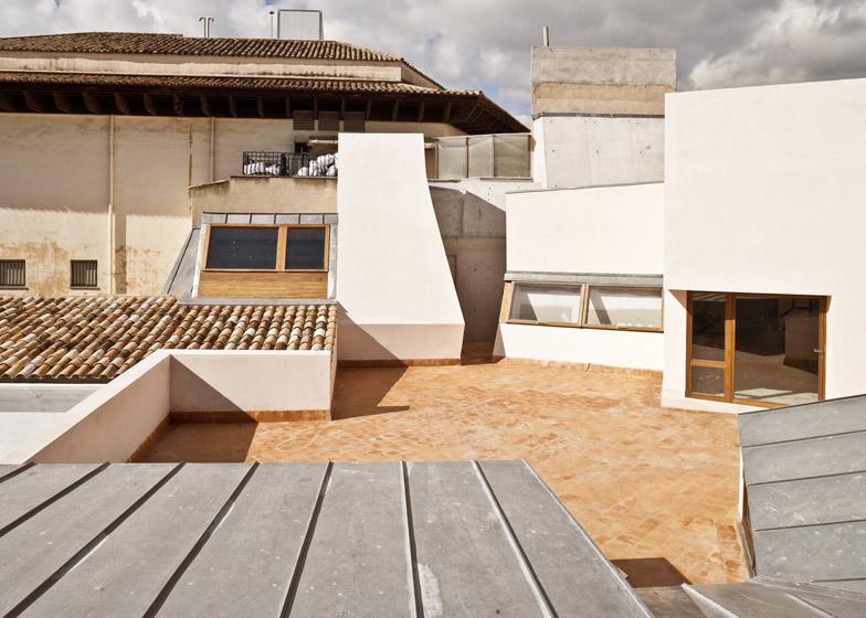 Casal Balaguer Cultural Centre by Flores & Prats and Duch-Pizá
