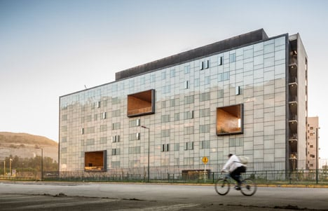 Economics and Business Faculty, Diego Portales University by Duque Motta & AA