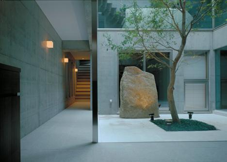 F-House by Yukio Hashimoto