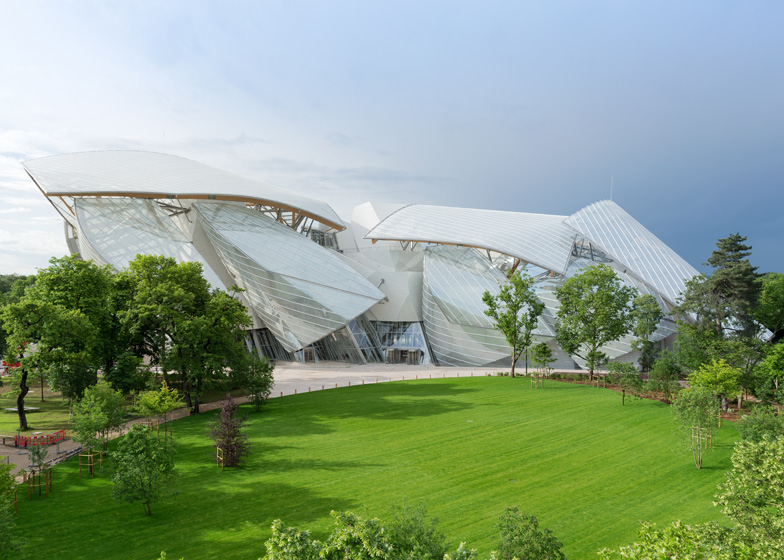 Frank Gehry 39 S Fondation Louis Vuitton Gets Set To Open In