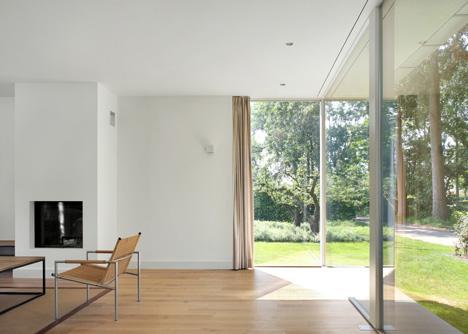 House Berkel-Enschot by Bedaux de Brouwer Architecten_dezeen_6