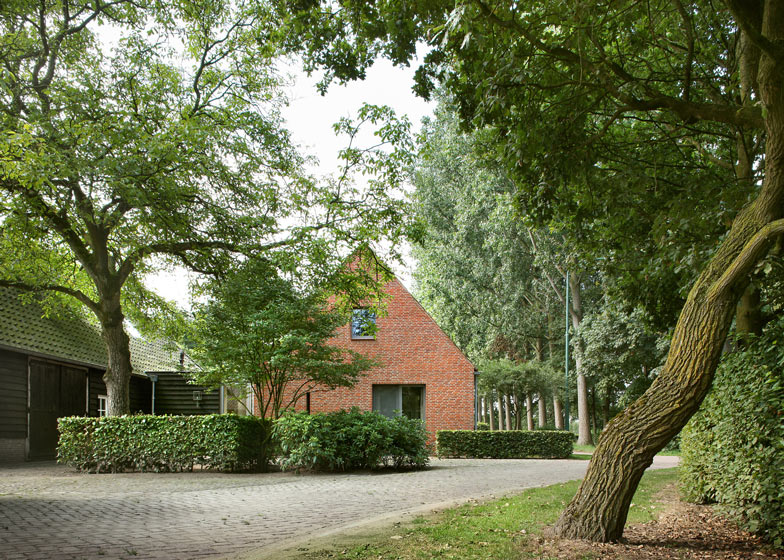 House Berkel-Enschot by Bedaux de Brouwer Architecten
