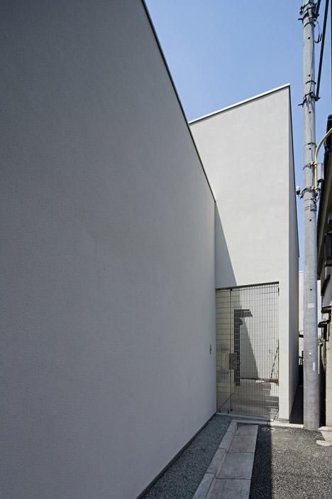 House in Jingumae by PANDA