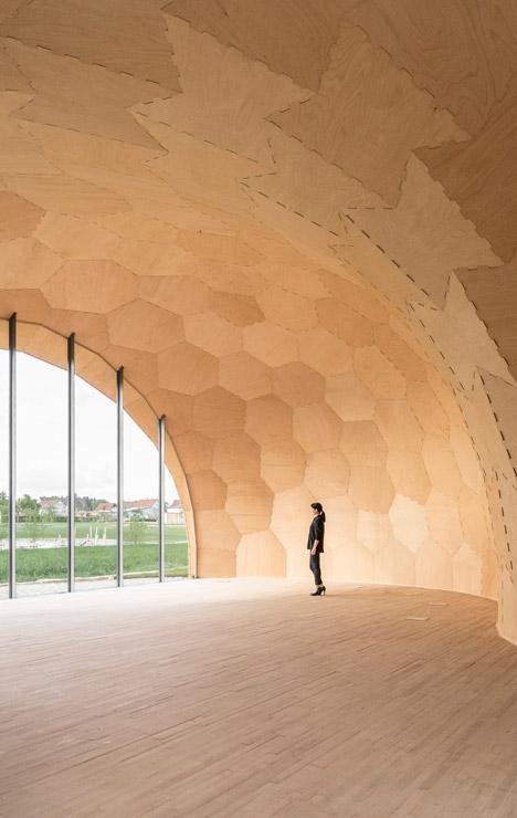 Landesgartenschau Exhibition Hall at University of Stuttgart