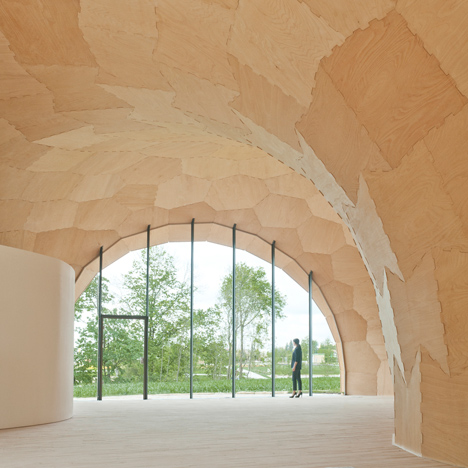 Landesgartenschau Exhibition Hall is a plywood pavilion made by robots