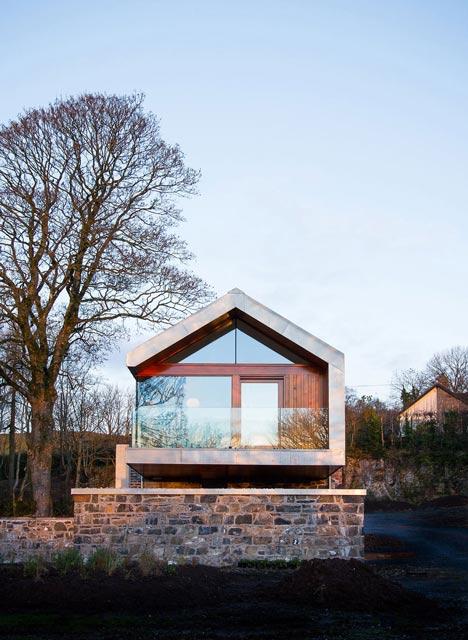 Loughloughan Barn by McGarry Moon Architects Ltd_dezeen_12